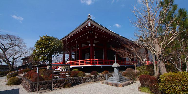 櫟野寺の本堂の外観