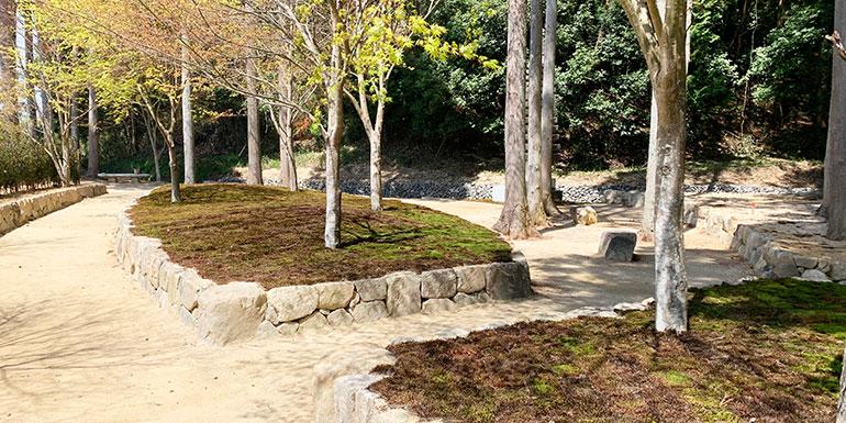 櫟苑樹木葬地の空ゾーンと風ゾーンの風景